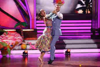 """Let's Dance"": Renata Lusin und Rurik Gislason in Show fünf am 9.April 2021"