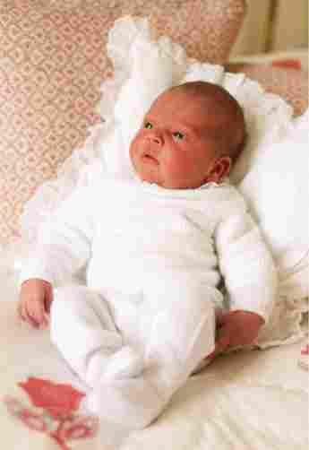 Erste offizielle Fotos von Prinz Louis von Cambridge