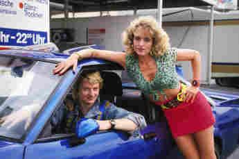 """Michael Kessler und Nadja Naidenow im Film """"Manta, Manta"""" von 1991"""