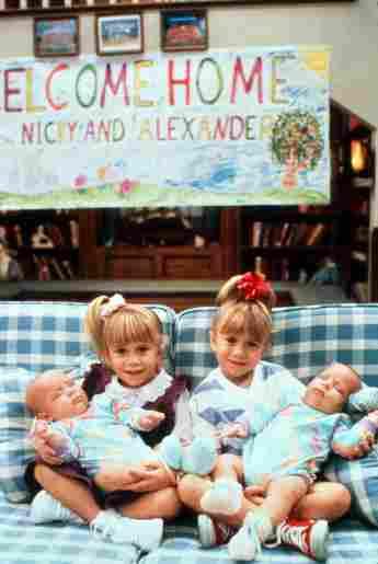 """Mary-Kate Olsen und Ashley Olsen am Set von """"Full House"""" 1991"""