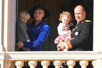 Prinz Jacques, Fürstin Charlène, Prinzessin Gabriella und Fürst Albert II.