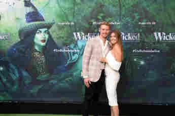 """Nadine Klein und Tim Nicolas zu Gast bei der Deutschlandpremiere des Musical """"Wicked – Die Magie zwischen Gut und Böse"""" am 5. September 2021"""