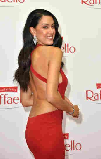 Rebecca Mir bei der Ankunft zum Raffaello Summer Dinner am 12. August 2021