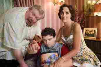 """Richard Griffiths, Harry Melling und Fiona Shaw in """"Harry Potter und der Orden des Phönix"""", Dursley, Dudley"""
