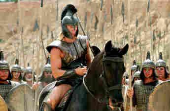 """Brad Pitt in einer Szene des Films """"Troja"""" von 2004"""