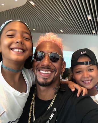 Jerome Boateng überrascht auf einem neuen Bild mit seinen Zwillingen mit pinken Haaren