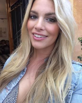 Angelina Kirsch ist ein Curvy Model