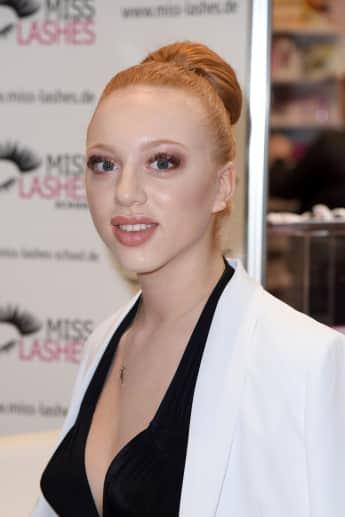 Anna Ermakova wird immer hübscher