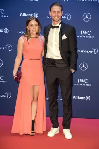 Lisa und Benedikt Höwedes fein herausgeputzt