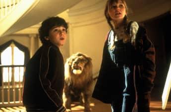 """Bradley Pierce und Kirsten Dunst in """"Jumanji"""". Sie spielen die Waisenkinder """"Judy und Peter Sheperd""""."""