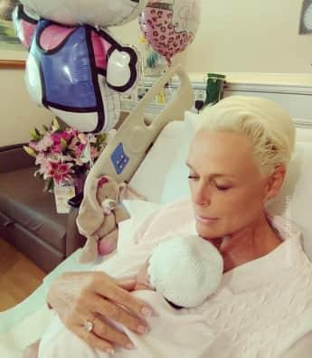 Brigitte Nielsen und Baby Frida