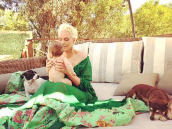 Brigitte Nielsen mit ihrer Tochter Frida