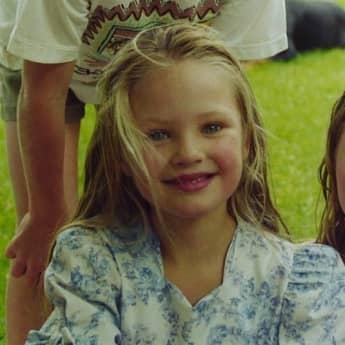 Candice Swanepoel als Kind