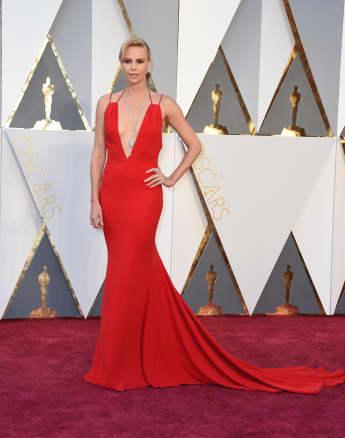 Charlize Theron bei den Oscars 2016