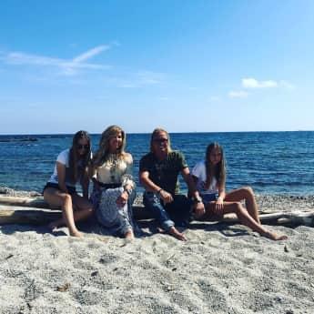Carmen und Robert Geiss mit ihren beiden Töchtern Davina und Shavina