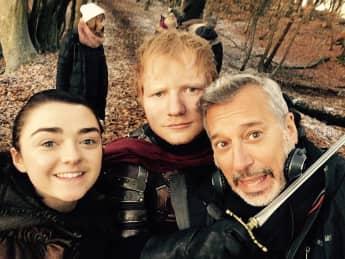"""Ed Sheeran und Maisie Williams drehen zusammen für """"Game of Thrones"""""""