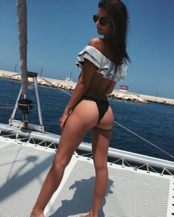 Emily Ratajkowski zeigt ihre sexy Kehrseite