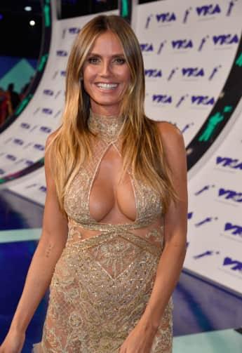 Heidi Klum zeigt Dekolleté bei den MTV Video Music Awards 2017