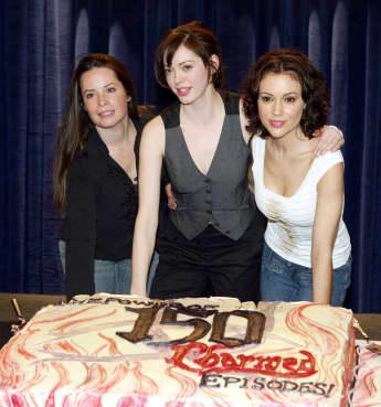 """Holly Marie Combs, ROse McGowan und Alyssa Milano feiern 2005 die 150. Folge von """"Charmed - Zauberhafte Hexen"""""""