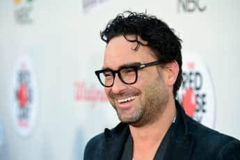"""""""The Big Bang Theory""""-Star Johnny Galeckis Zusage für ein """"Roseanne""""-Remake ist noch nicht sicher"""