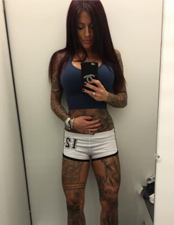 Julia Jasmin Rühle zeigt ihren durchtrainierten Body