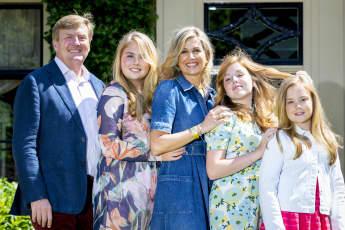 Köning Willem-Alexander, Prinzessin Amalia, Königin Maxima, Prinzessin Alexia und Prinzessin Ariane