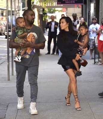 Kanye West und Kim Kardashian mit ihren süßen Kindern Saint und North in New York