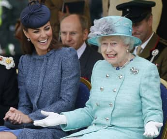Kate Middleton and Queen Elisabeth II.