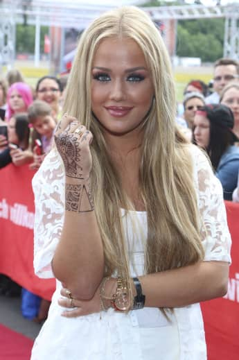 Kim Gloss zeigt allen ihr Mega-Tattoo