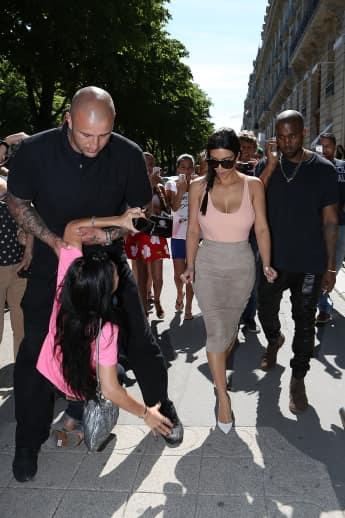 Der Bodyguard von Kimye greift hart durch Kim Kardashian, Kanye West