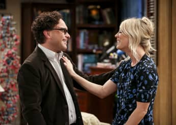 "Leonard Hofstadter (Johnny Galecki) und Penny Hofstadter (Kaley Couco) in Staffel 12 von ""The Big Bang Theory"""