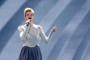 "Levina mit ""Perfect Life"" am ESC-Finalabend 2017 in Kiew"