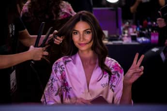 Lily Aldridge Victoria's Secret Fashionshow backstage