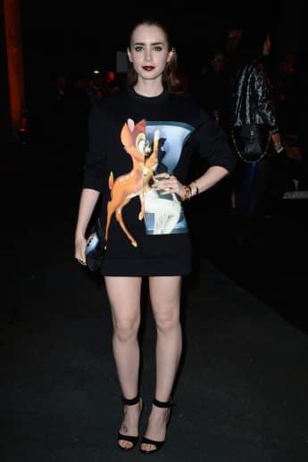 Lily Collins auf der Fashion Week bei der Givenchy Show in Paris 2013 in XXL-Bambie T-Shirt