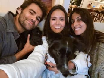 Paul Wesley, Nina Dobrev und Ines De Ramon feiern Reunion