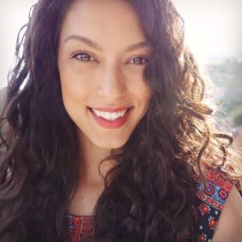 Rebecca Mir strahlt in den Flitterwochen