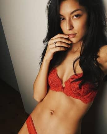 Rebecca Mir Sixpack Körper Bikini
