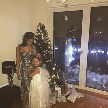 Sila Sahin und ihre Schwester freuen sich schon auf Weihnachten