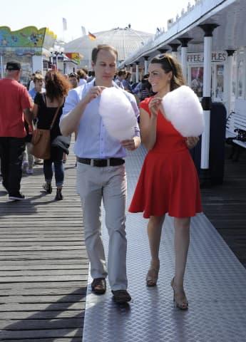 Simon Watkinson und Heidi Agan sind die Doubles von Kate und William