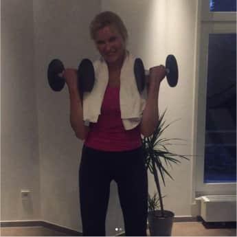 Veronica Ferres ohne Make-up natürlich schön sportlich Training
