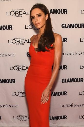 Victoria Beckham bei einer Veranstaltung mit ihrer langen Wallemähne