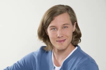 """Alexander Becht in der Rolle des irischen Austauschschülers """"Brian O'Reilly"""" bei der ARD Telenovela """"Rote Rosen"""""""