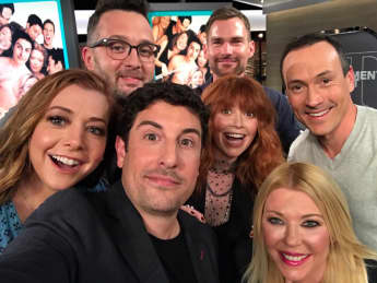 "Alyson Hannigan, Jason Biggs, Seann William Scott, Tara Reid, Eddie Kaye Thomas, Chris Klein und Natasha Lyonne feierten eine ""American Pie""-Reunion"