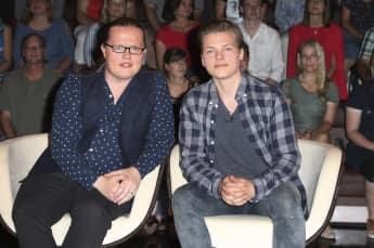 Angelo Kelly neben seinem ältesten Sohn Gabriel