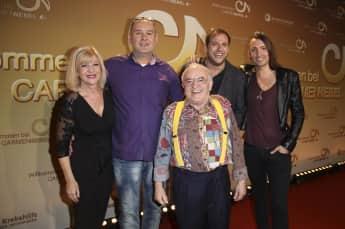 """Die """"Bares für Rares""""-Händler: (von links) Elke Velten, Walter Lehnertz, Ludwig Hofmaier, Julian Schmitz-Avila und Fabian Kahl"""