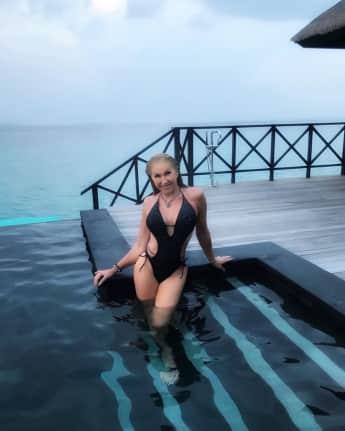 Carmen Geiss: Sexy im Badeanzug