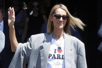 "Céline Dions Hommage an ""Titanic"": Sie trägt ""Rose'""-Kette"