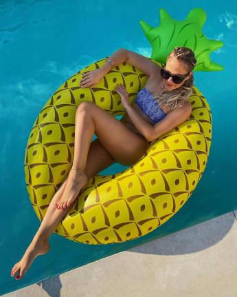 Cheyenne Pahde Bikini
