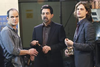 """Criminal Minds"": ""Jonathan Prophet Simms"" (Michael Kelly), ""David Rossi"" (Joe Mantegna) und ""Dr. Spencer Reid"" (Matthew Gray Gubler)"