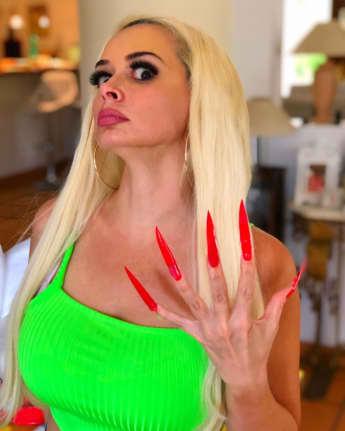 Daniela Katzenberger mit XXL-Nägeln